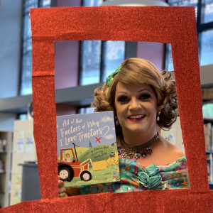 Dolly Diamond Loves Library Lovers' Day